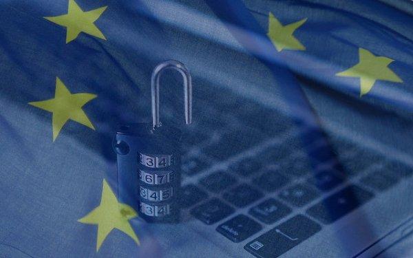 EU stars over a keyboard ad padlock to represent GDPR